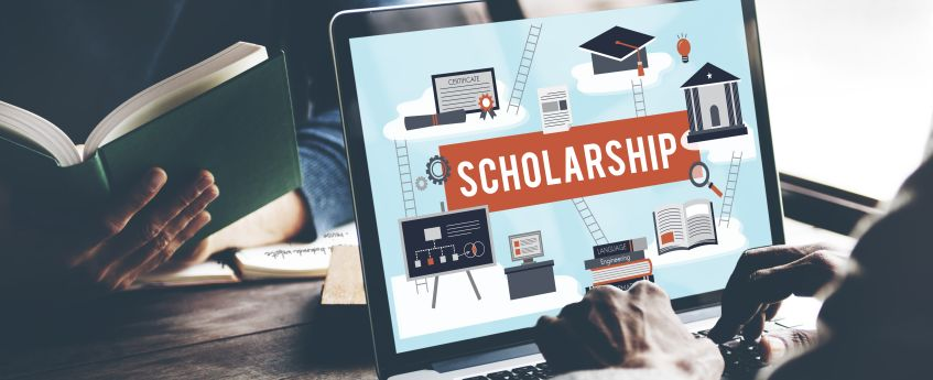 Top scholarships for literature students